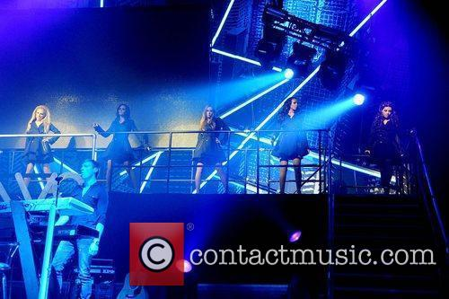 The Saturdays and Manchester Apollo 4