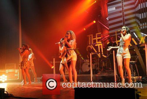 Mollie King and Manchester Apollo 3