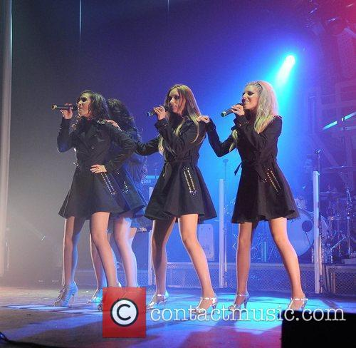Mollie King and Manchester Apollo 8