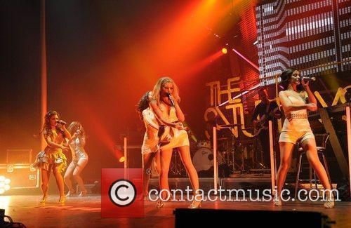 Mollie King and Manchester Apollo 4