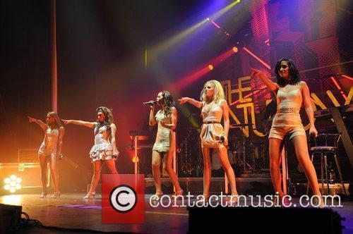 Mollie King and Manchester Apollo 7