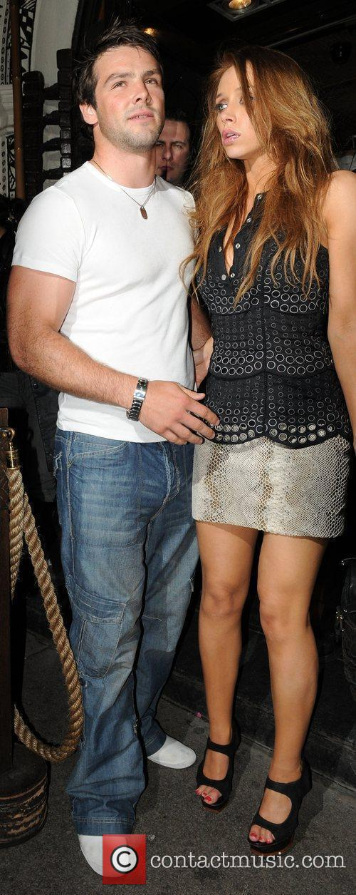 Una Healy and Mahiki Club 5
