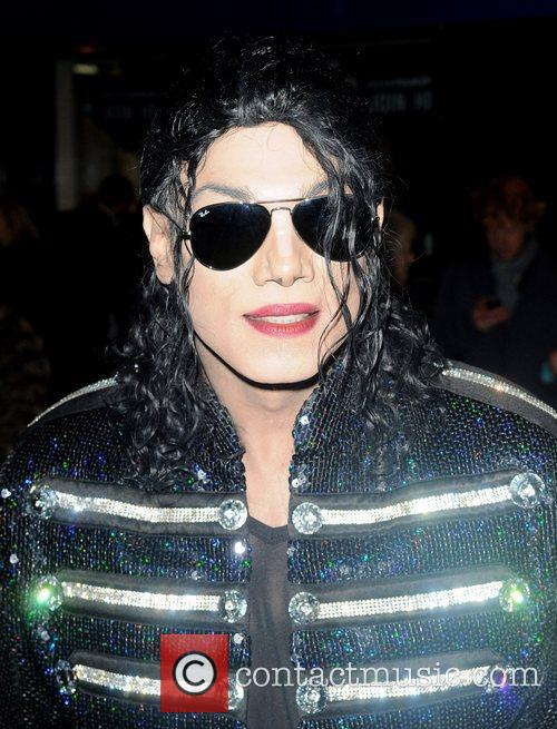 Michael Jackson look-a-like and Michael Jackson 3