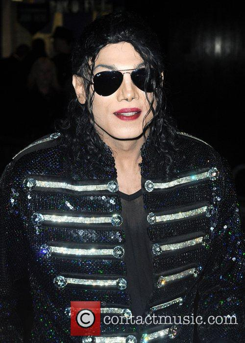 Michael Jackson look-a-like and Michael Jackson 7