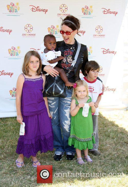 Joely Fisher with her children Elizabeth Glaser Pediatric...