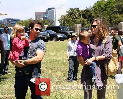 Mark Wahlberg, Rhea Durham With Their Children Ella Rae Wahlberg and Michael Wahlberg 5