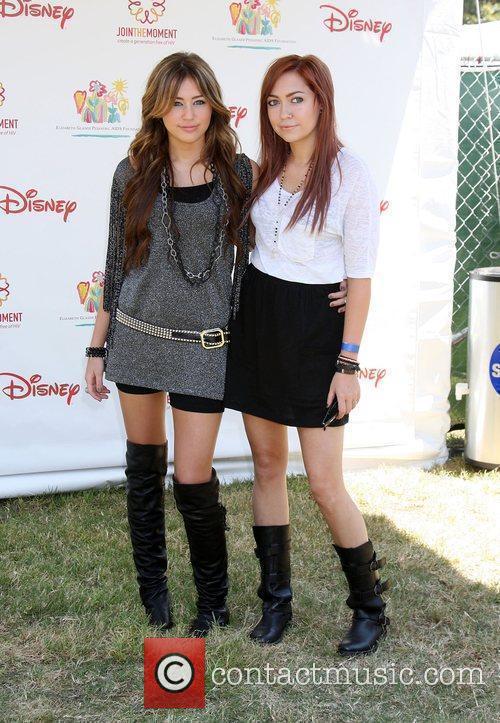 Miley Cyrus and Brandi Cyrus 5
