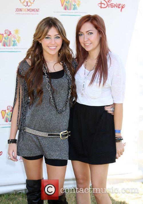 Miley Cyrus and Brandi Cyrus 9