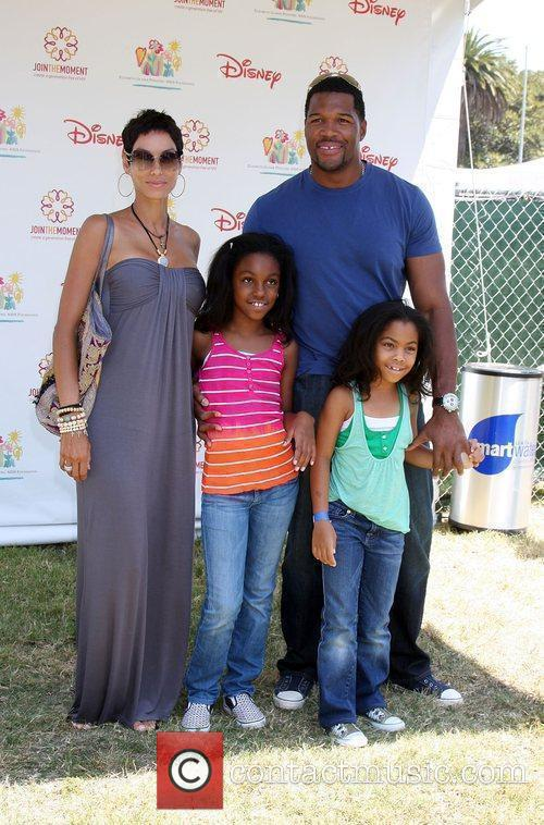 Nicole Murphy and Michael Strahan Elizabeth Glaser Pediatric...