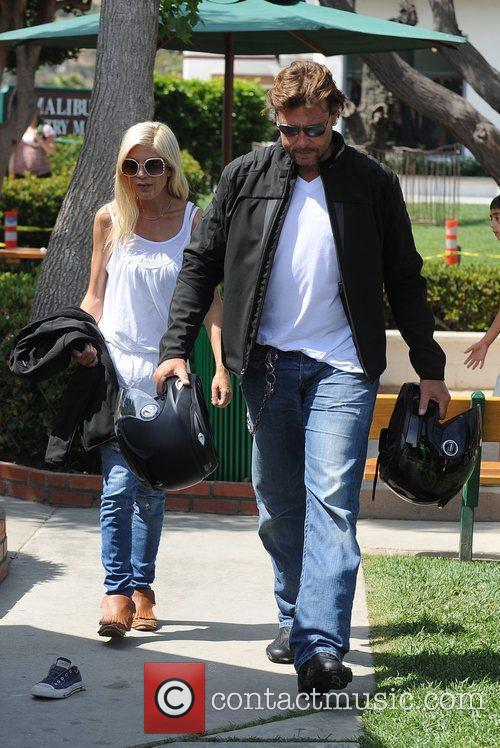 Tori Spelling and Dean Mcdermott Carrying Motorcycle Helmets At Malibu Country Mart 6
