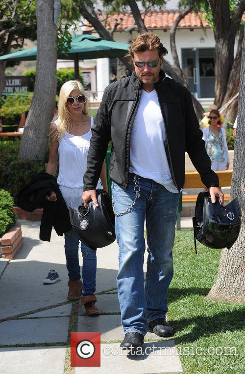 Tori Spelling and Dean Mcdermott Carrying Motorcycle Helmets At Malibu Country Mart 5