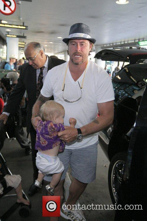 Dean Mcdermott Arrives At Tom Bradley International Terminal At Lax Airport With His Daughter Stella 3