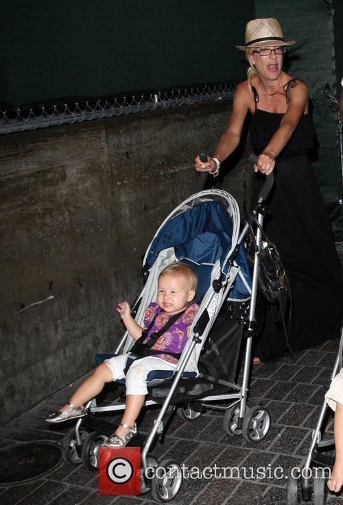 Tori Spelling and daughter Stella 3
