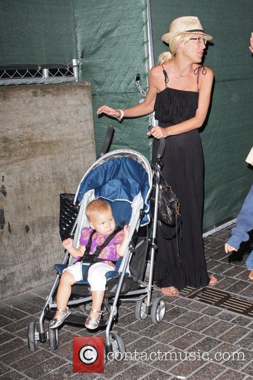 Tori Spelling and daughter Stella 6