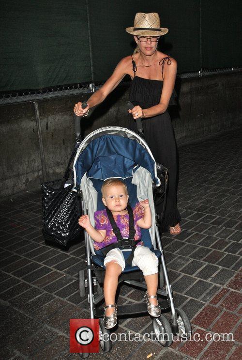 Tori Spelling and daughter Stella 8