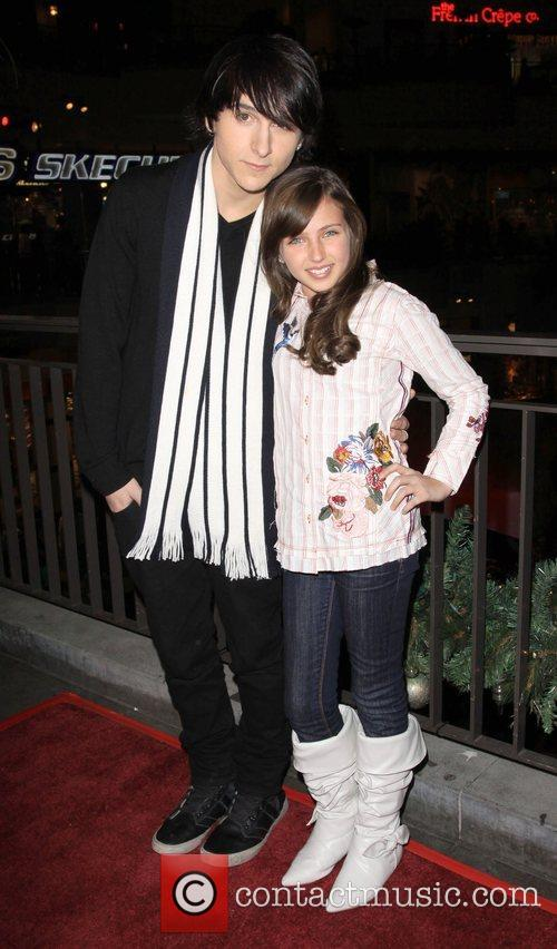 Mitchel Musso and Ryan Newman 3