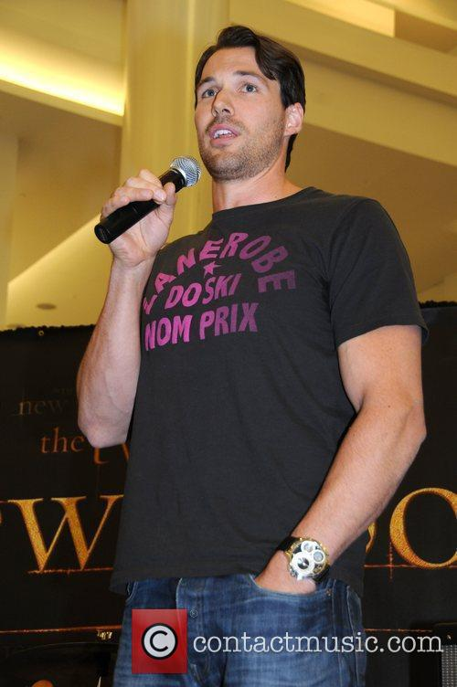 Daniel Cudmore meets and signs autographs at Nordstrom...