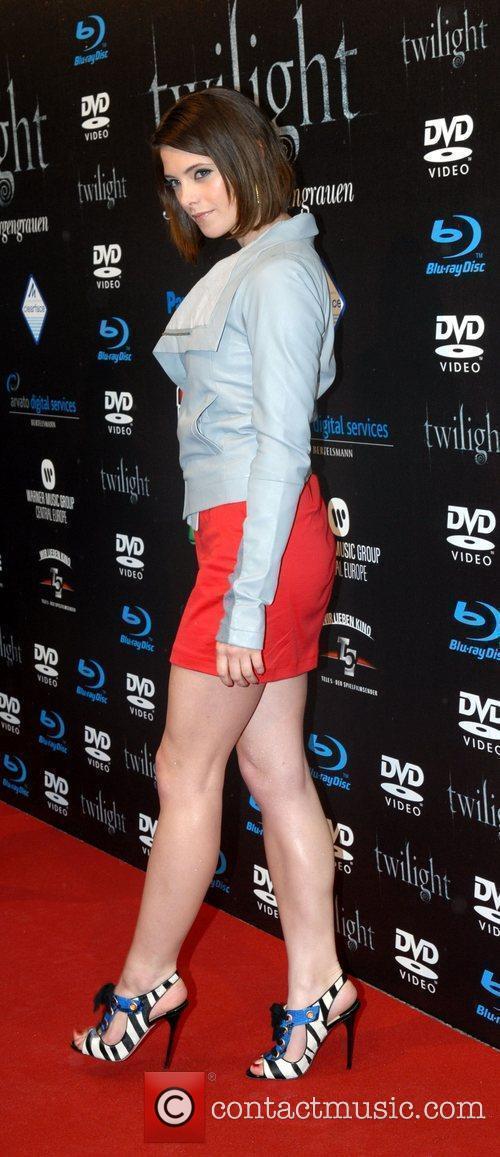 Ashley Greene 7