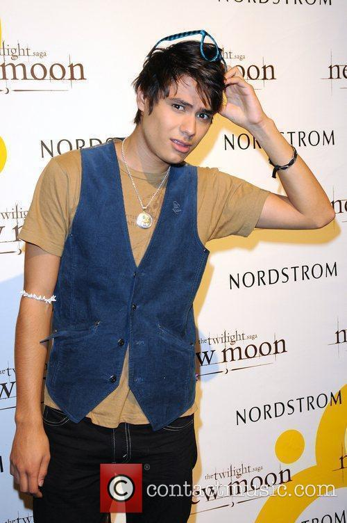 Kiowa Gordon 'The Twilight Saga: New Moon' stars...