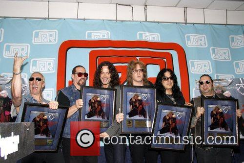 Twisted Sister and Constantine Maroulis 1