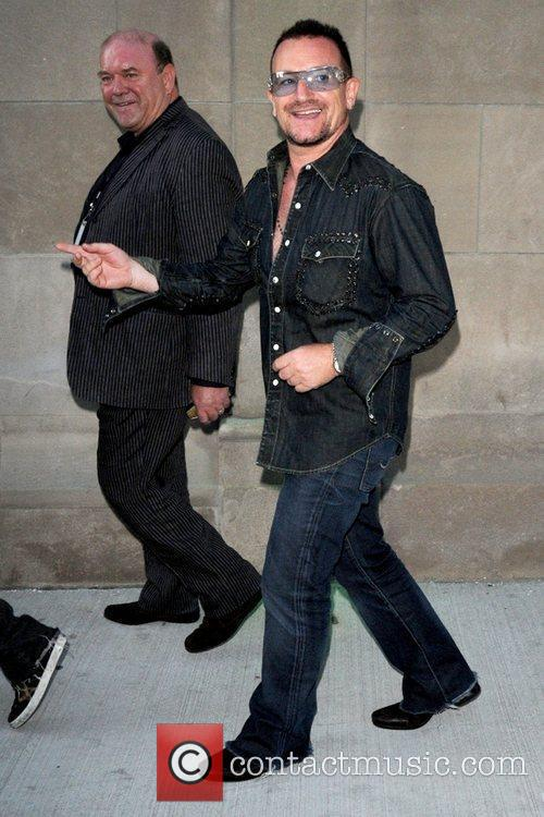 Bono, Mtv and U2 2