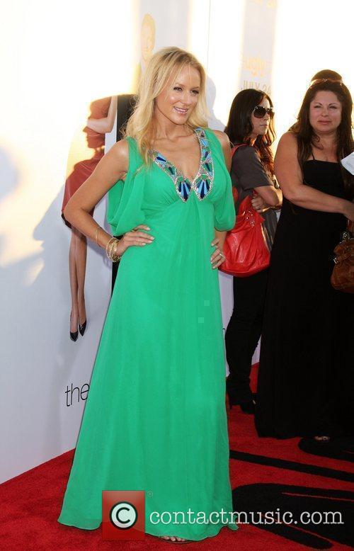 Jewel The Ugly Truth Premiere at the Cinerama...
