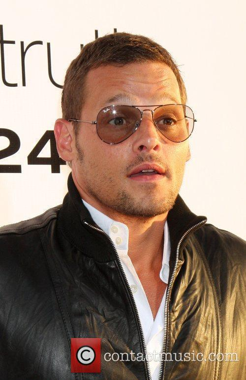 Justin Chambers The Ugly Truth Premiere at the...