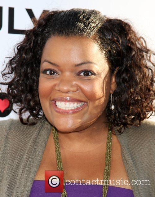Yvette Nicole Brown The Ugly Truth Premiere at...