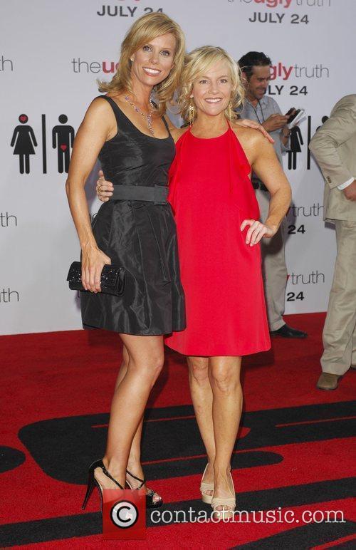 Cheryl Hines and Rachel Harris The Ugly Truth...
