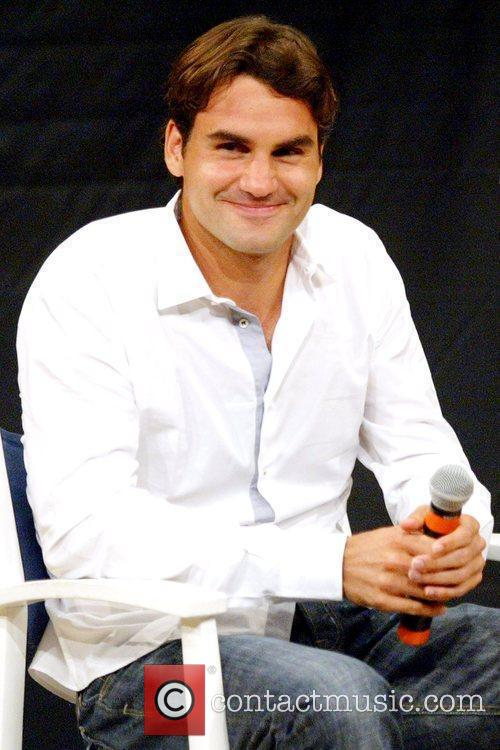 Us Open Champion Roger Federer Attends The 2009 Us Open Tennis Draw Ceremony 2
