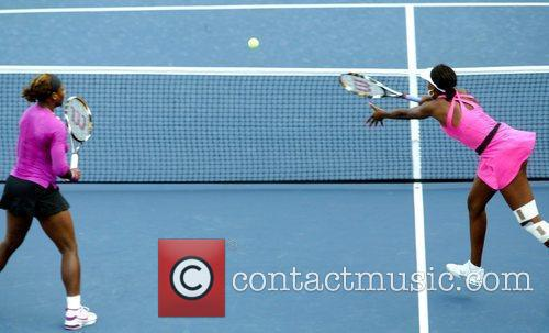 Serena Williams, Billie Jean King and Venus Williams 4