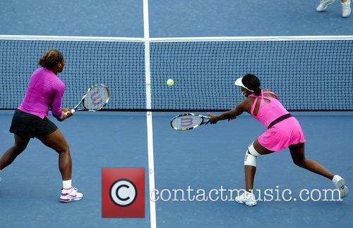 Serena Williams, Billie Jean King and Venus Williams 5