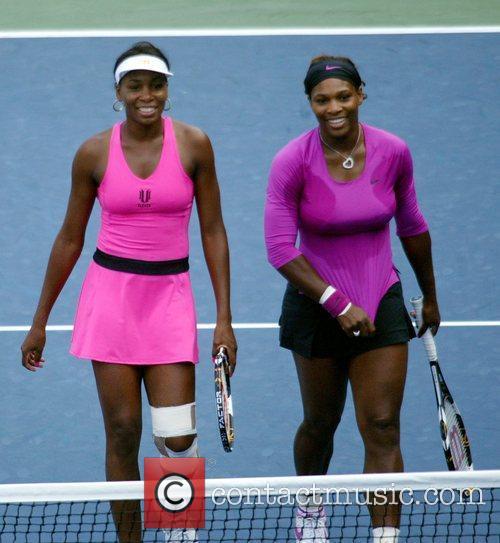 Venus Williams, Billie Jean King and Serena Williams 11