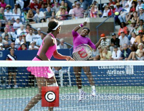 Venus Williams, Billie Jean King and Serena Williams 8