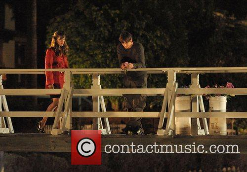 Ashton Kutcher and Jennifer Garner on the set...