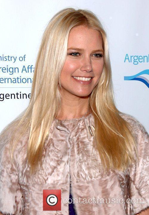 Valeria Mazza and the Argentine Consulate honor five...