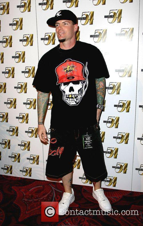 Vanilla Ice is welcomed by Studio 54 for...