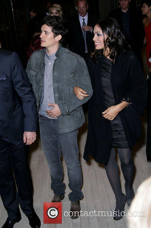 Rosario Dawson and Orlando Bloom 9