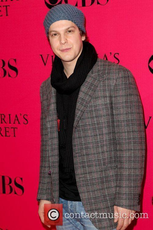 Gavin DeGraw 2009 Victoria's Secret Fashion Show at...