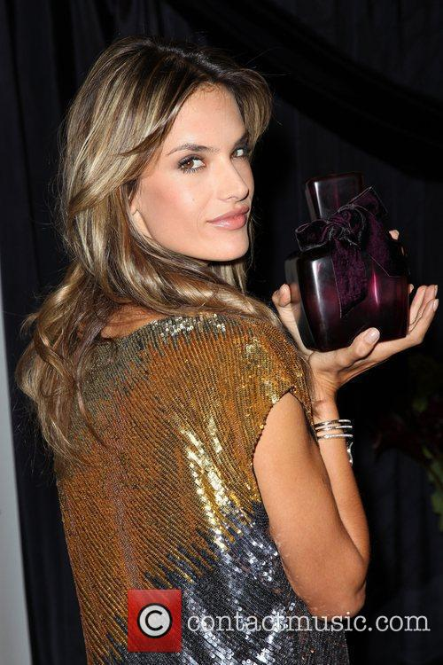 Alessandra Ambrosio 34