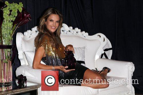 Alessandra Ambrosio 10