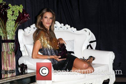 Alessandra Ambrosio 24