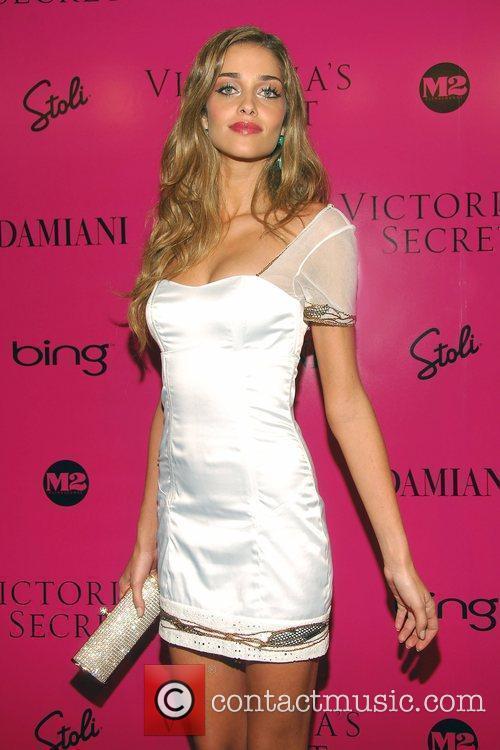 Ana Beatriz Barros Victoria's Secret Fashion Show after...