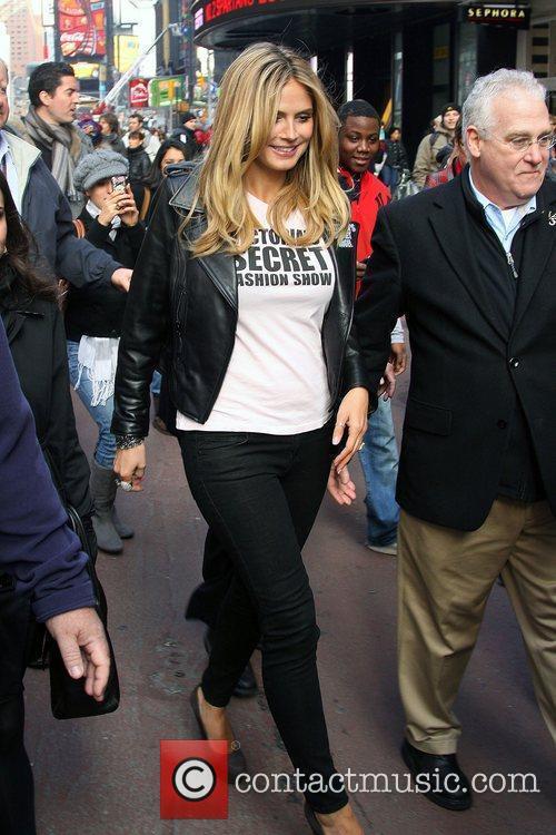 Heidi Klum, Times Square