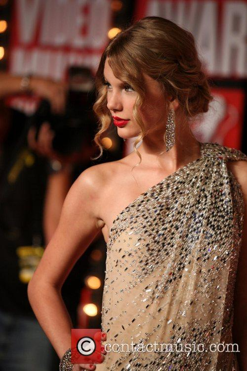 Taylor Swift and Mtv 6