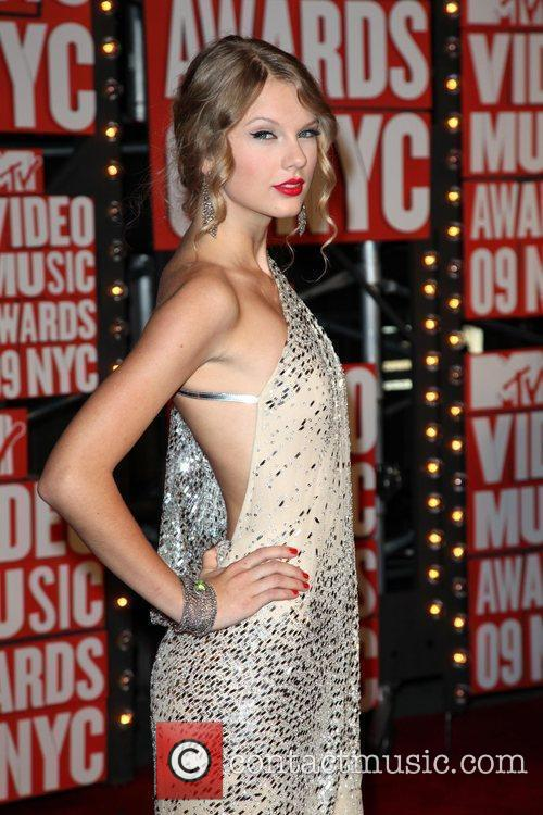 Taylor Swift and Mtv 1
