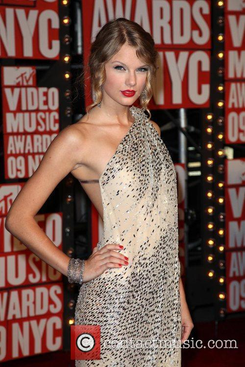 Taylor Swift and Mtv 11