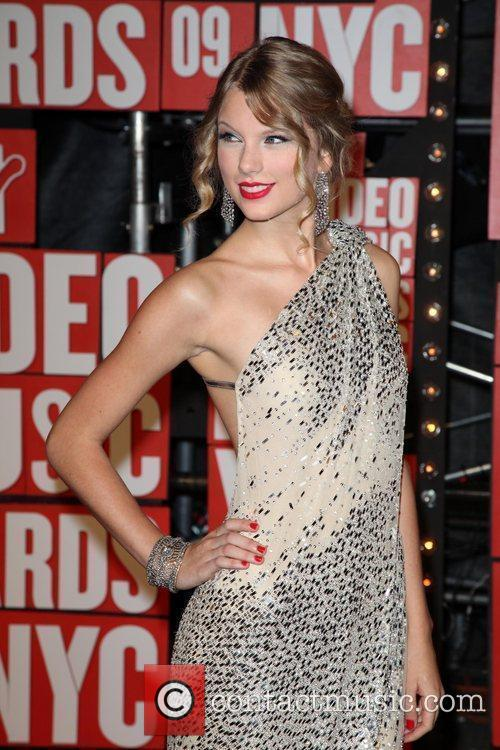 Taylor Swift and Mtv 10