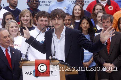 Mayor Michael Bloomberg and Ashton Kutcher Celebrities kick...