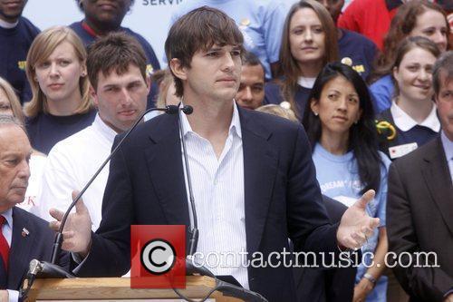 Ashton Kutcher 9